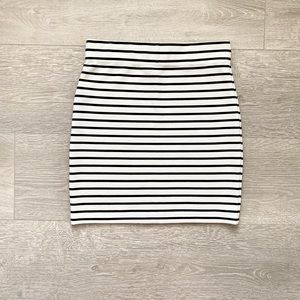 F21 // Black & White Stripped Mini Skirt